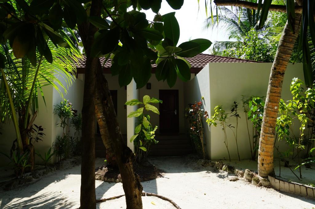 bilder robinson club maldives gartenbungalow galerie. Black Bedroom Furniture Sets. Home Design Ideas